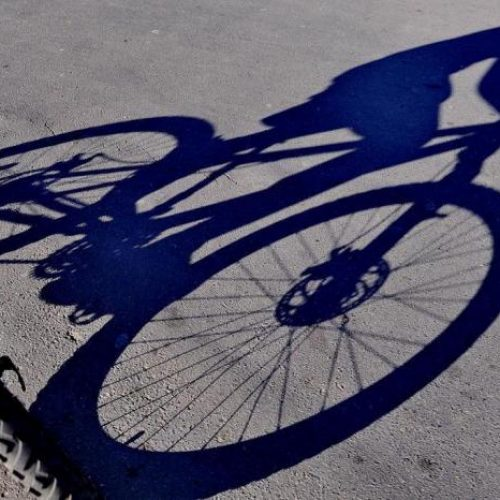 COLINA: Ladrões armados rendem ciclista e roubam bicicleta avaliada em 19 mil