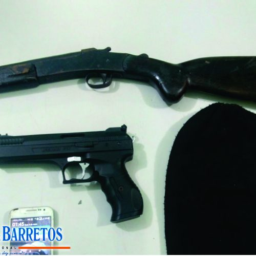 BARRETOS: Força Tática prende suspeito de roubos e apreende armas e touca ninja em residência