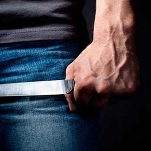 BARRETOS: Ao tentar separar briga, mulher é atingida por facada