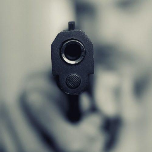 REGIÃO: Homem é perseguido e morre após ser baleado 11 vezes