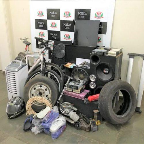 BEBEDOURO: Polícia apreende supostos produtos de crimes.