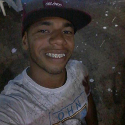 OLÍMPIA: Jovem é morto dentro de boate depois de ser alvejado por um tiro desferido por um homem que disse ser policial