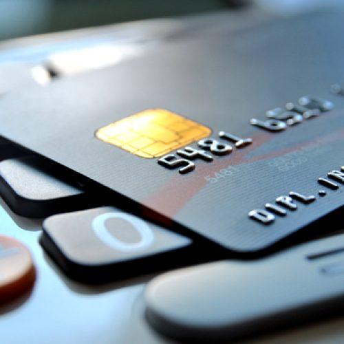 BARRETOS: Mulher cai em golpe ao tentar empréstimo pela internet