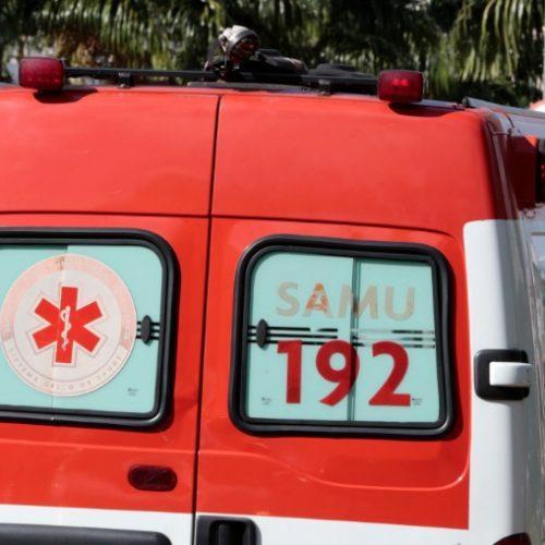 BARRETOS: Motociclista sofre acidente em rotatória na Avenida Engenheiro José Domingos Ducati