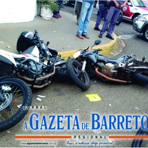 BARRETOS: Após fugir de bloqueio motociclista joga sua moto contra moto de policial militar na Rua 26