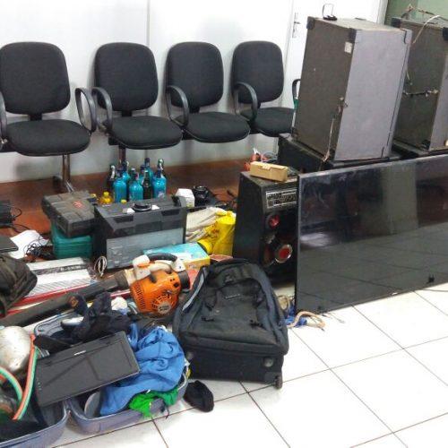 BARRETOS: Quatro pessoas, entre eles, pai, mãe e filho, são presos e diversos produtos são recuperados pela policia