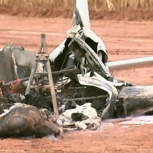 BARRETOS: Avião bimotor é encontrado incendiado em canavial na zona rural