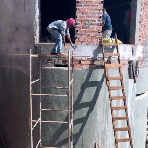 BARRETOS: Fiscais interditam trabalho de montagem no Parque do Peão