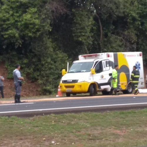 REGIÃO: Pai e filha morrem e irmã fica gravemente ferida em capotamento