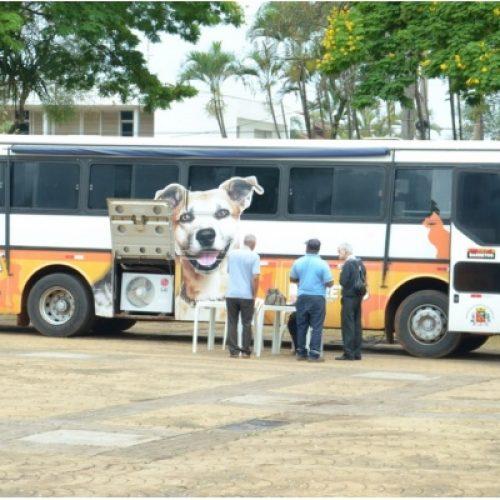 """BARRETOS: Ladrões furtam baterias e outros objetos do ônibus """"Castra Móvel"""""""