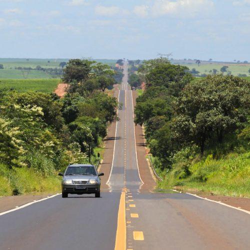 REGIÃO: Rodovia Armando de Sales Oliveira é interditada após asfalto ceder
