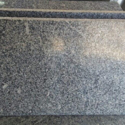 BARRETOS: Publicitário adquire pedra de granito para cobrir o tumulo de sua família e é vítima de furto no interior do cemitério