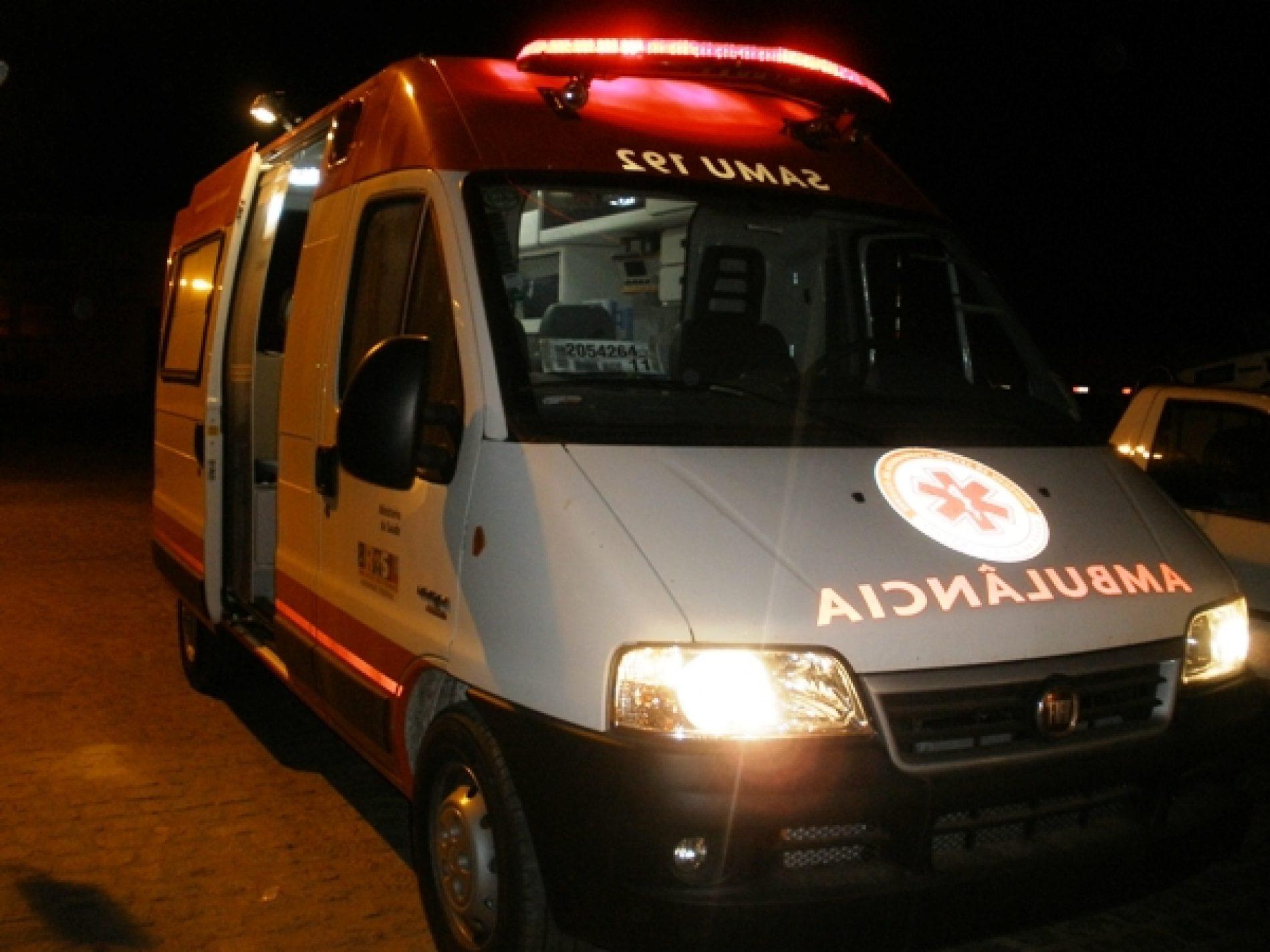 BARRETOS: Casal é socorrido até a UPA após queda de motocicleta