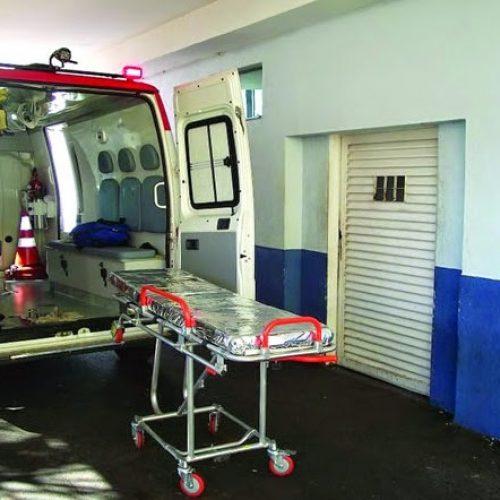 BARRETOS: Acidente entre carro e moto no bairro São José