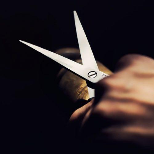 REGIÃO: Esteticista é agredida com tesouradas pela ex-sogra