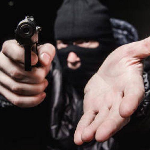 BARRETOS: Ladrões encapuzados e armados rendem e agridem vítimas em panificadora