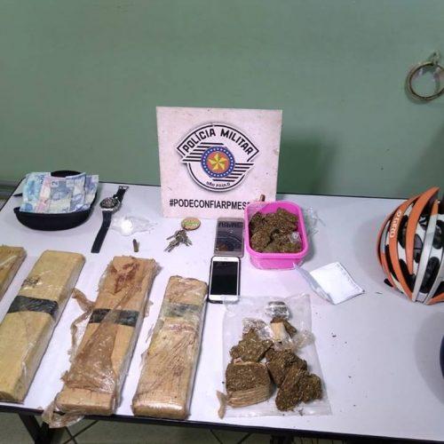 BARRETOS: Polícia localiza imóvel utilizado como depósito e apreende mais de quatro quilos e meio de maconha, bicicletas de alto custo e outros objetos