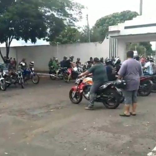 Corpo de entregador morto a tiros no meio da rua é enterrado em Barretos-SP