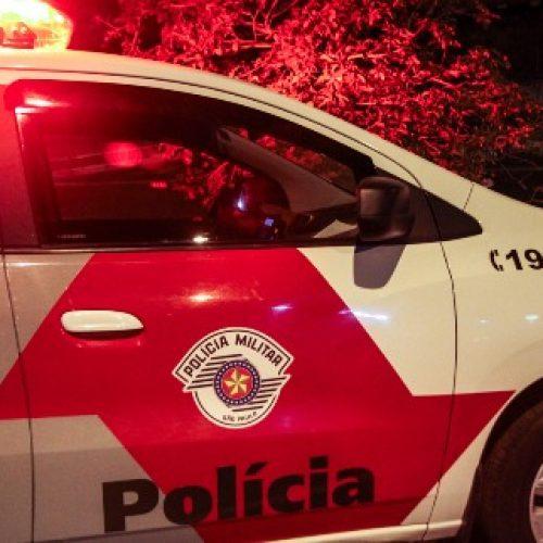 BARRETOS: Acidente entre carro e moto no bairro Christiano Carvalho