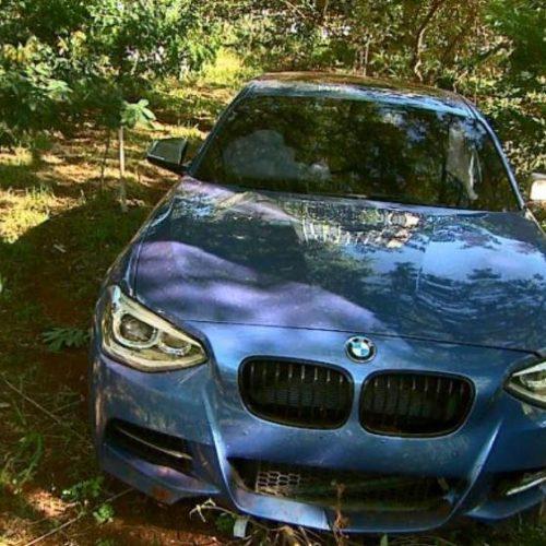 REGIÃO: BMW é abandonada após acidente