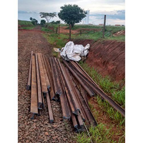 BARRETOS: Oito homens presos em flagrante furtando trilhos de estrada de ferro