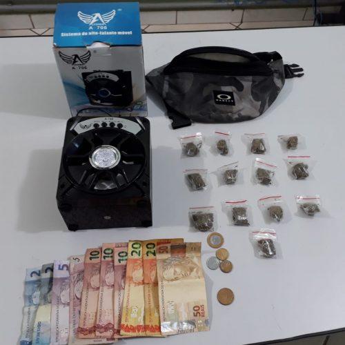 BARRETOS: Mãe denuncia e Policia Militar localiza drogas, dinheiro e moto furtada no pátio municipal