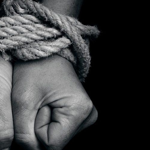BARRETOS: Ladrões armados rendem, amarram e roubam casal de idosos em residência