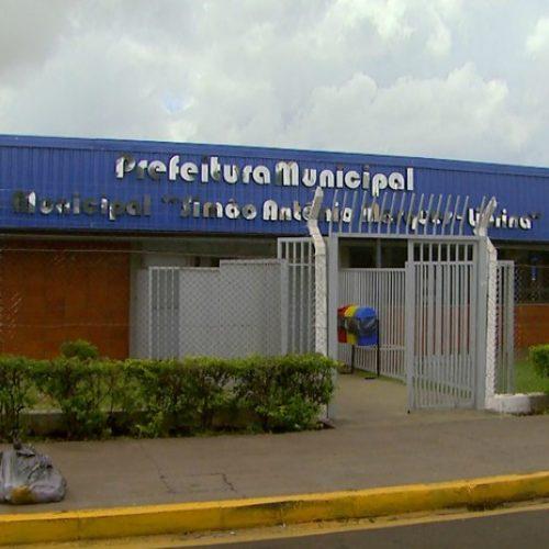 BARRETOS: Lavar carro na rua pode gerar multa de R$ 537