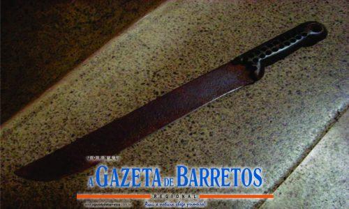 OLÍMPIA: Armado com um facão, homem invade residência vizinha e ameaça mulher