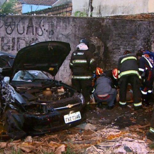 REGIÃO:  Motorista atropela jovem, foge na contramão e mata motociclista