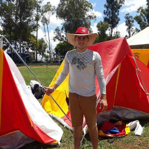 BARRETOS: Jovem deixa trabalho para acampar com 100 mil adventistas no Parque do Peão