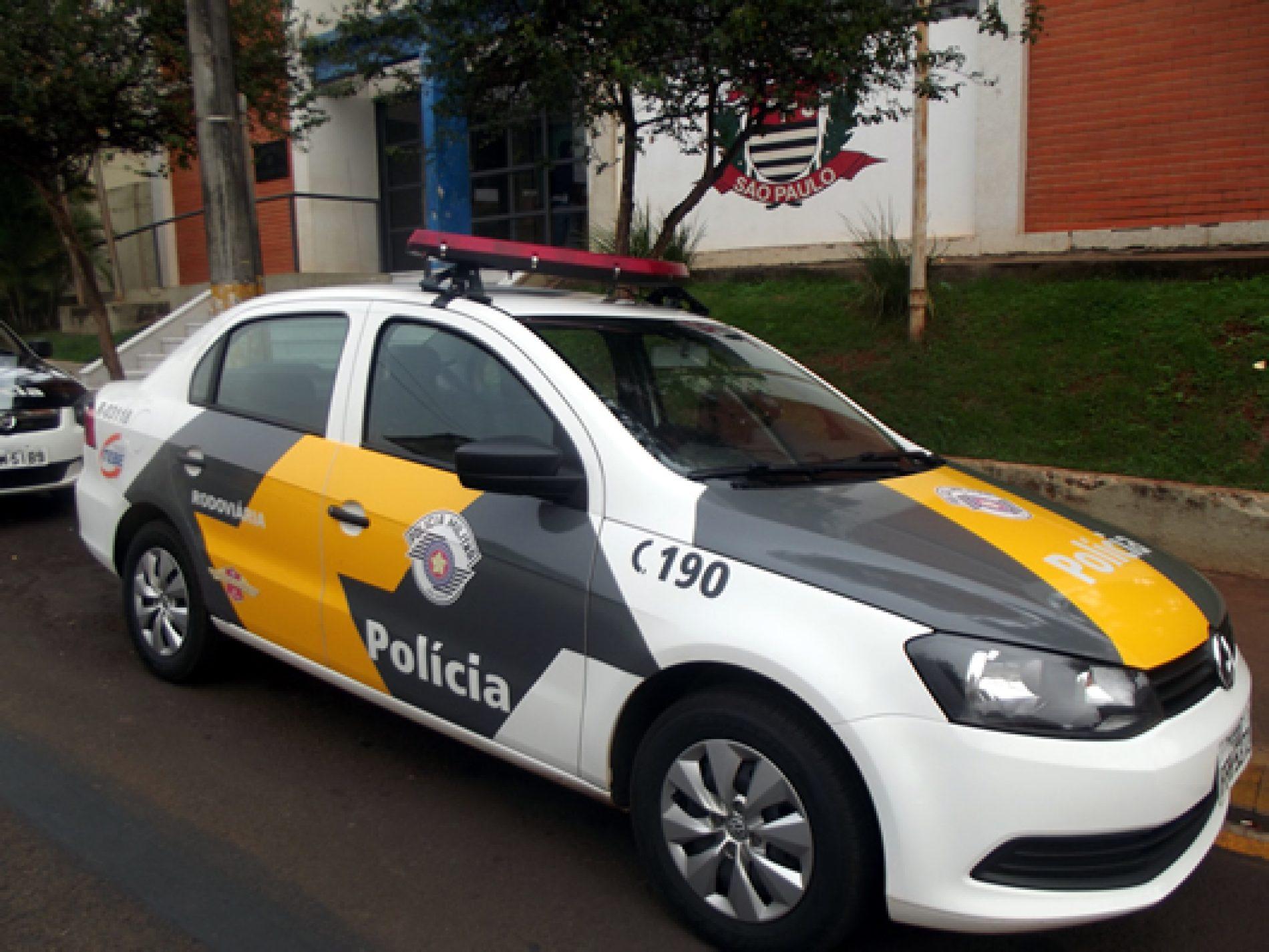 BARRETOS: Estudante é abordada na Rodovia dirigindo veículo com registo de estelionato