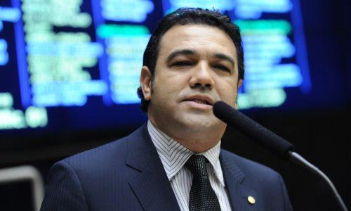 BRASIL: Bancada evangélica prepara manifesto em que se diz independente de Bolsonaro