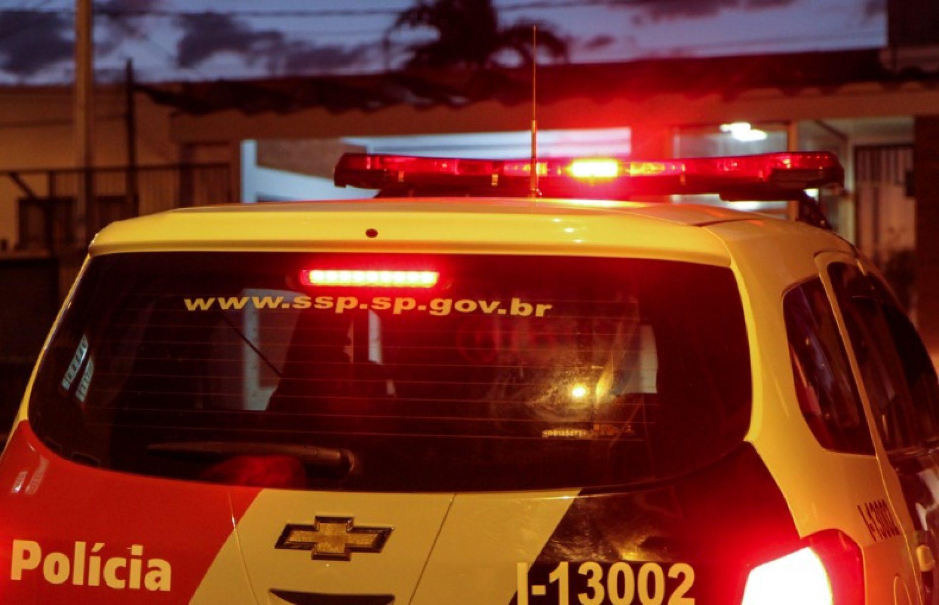 BARRETOS: Veículo se choca contra poste e motorista é internado em estado grave na Santa Casa