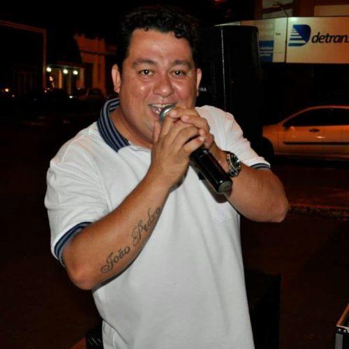 GUAÍRA: Cantor de 39 anos morre ao capotar caminhonete