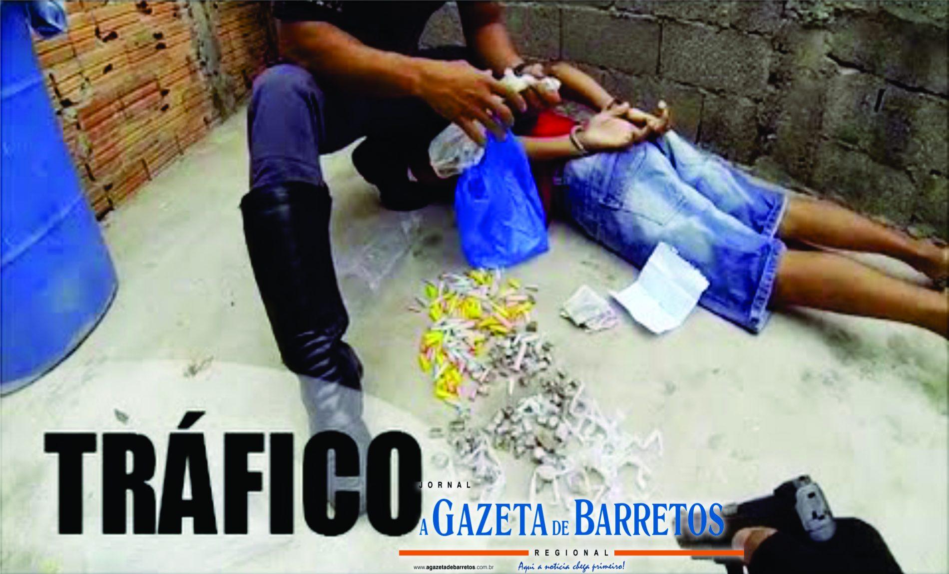 BARRETOS: Operação policial prende dois maiores, apreende menor, drogas, dinheiro e diversos objetos no bairro Pimenta