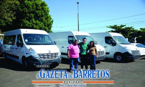 BARRETOS: Educação recebe três novas vans