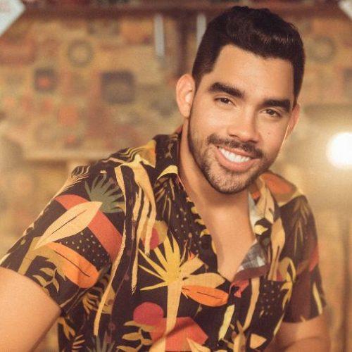 TRAGÉDIA: Avião cai com cantor Gabriel Diniz em Sergipe