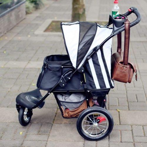 REGIÃO: Jovem é presa por furtar loja usando carrinho de bebê