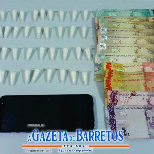 BARRETOS: Força Tática apreende menor dirigindo carro e em posse de drogas e dinheiro no Santa Cecília