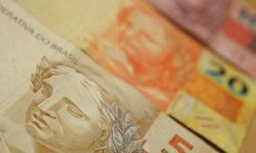 Governo propõe salário mínimo de R$ 1.039 em 2020
