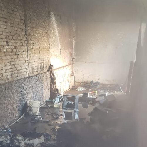 OLÍMPIA: Bombeiros apagam fogo em local habitado por moradores de rua