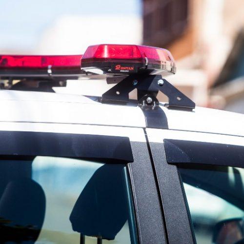 BEBEDOURO: Câmeras flagram indivíduo praticando roubo em drogaria