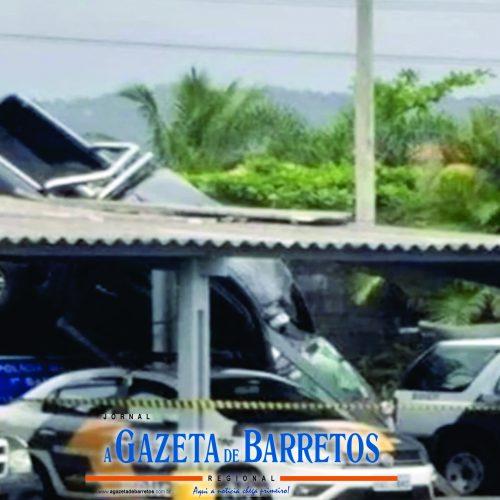 SP: Veículo sai da pista e invade base da PM em Praia Grande
