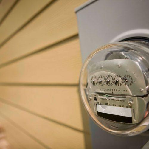 BARRETOS: Furto de relógio de energia em construção