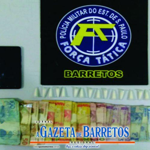 BARRETOS: Ajudante de serralheiro é preso por tráfico de drogas em um bar na Avenida Olímpia