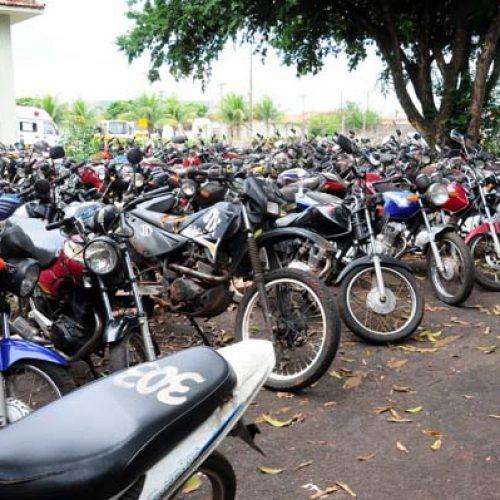 BARRETOS: Ladrões furtam peças de motos no pátio municipal