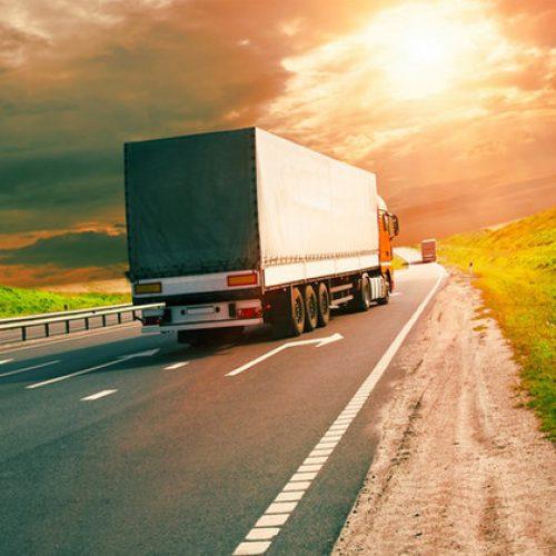 BARRETOS: Motorista é rendido por ladrões armados e tem caminhão, reboque e carga roubados