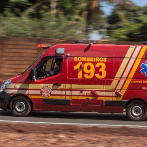 BARRETOS: Motoboy fica ferido em acidente na Rua 34 com Avenida 25