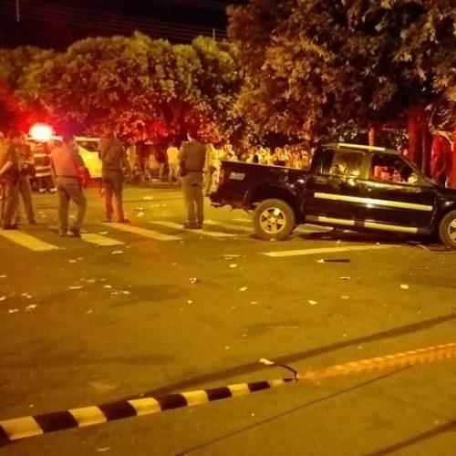 REGIÃO: Motorista atropela 17 pessoas em bar; duas morreram